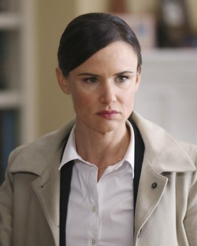Juliette Lewis, Secrets and Lies