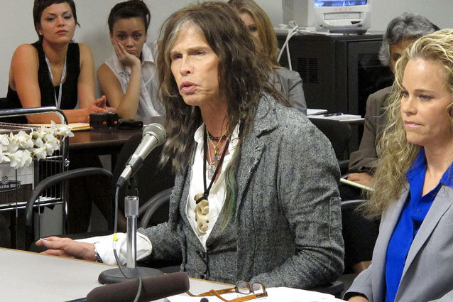 Steven Tyler helps pass law in Hawaii