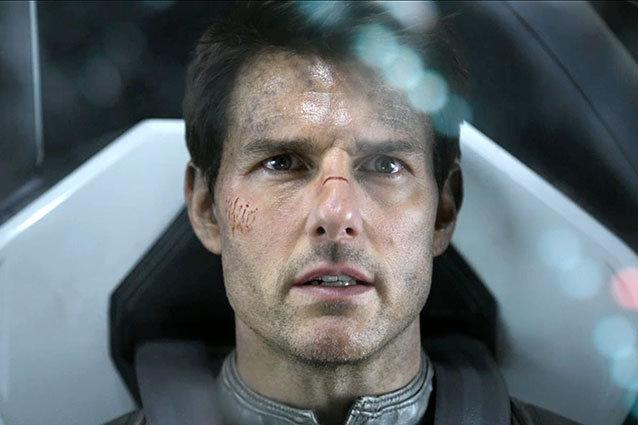Tom Cruise in Oblivion Trailer