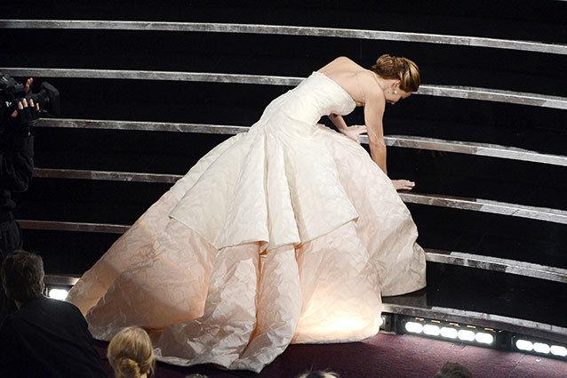 Oscars Jennifer Lawrence Fall