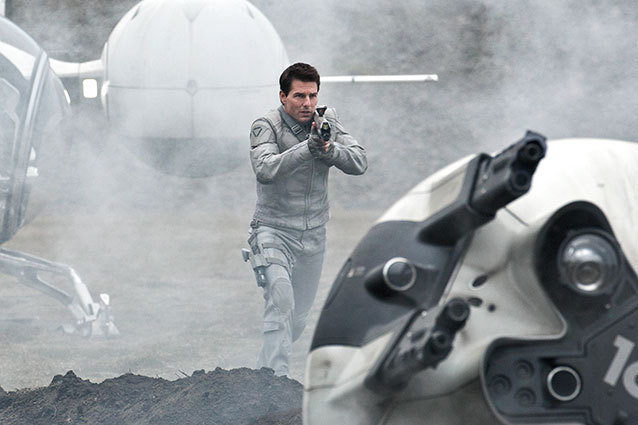Tom Cruise in Oblivion trailer