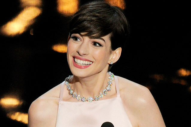 Anne Hathaway Winning an Oscar 2013