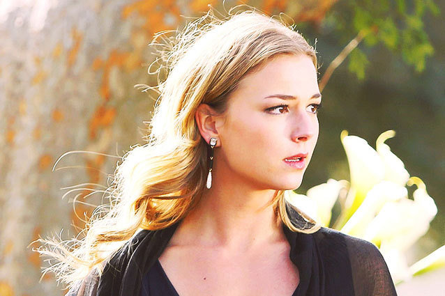 Emily VanCamp's Emily deals with the aftermath of Amanda's death on ABC's Revenge