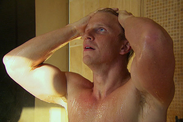 Bachelor' Sean Lowe Gets (Half) Naked: 5 Gratuitous Shirtless Pics
