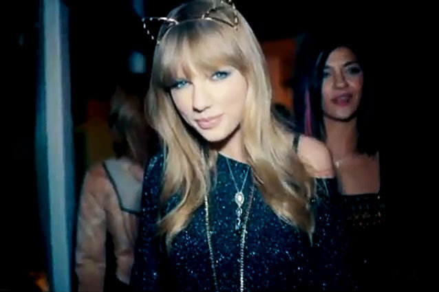 22 Things We Covet In Taylor Swift S 22 Music Video