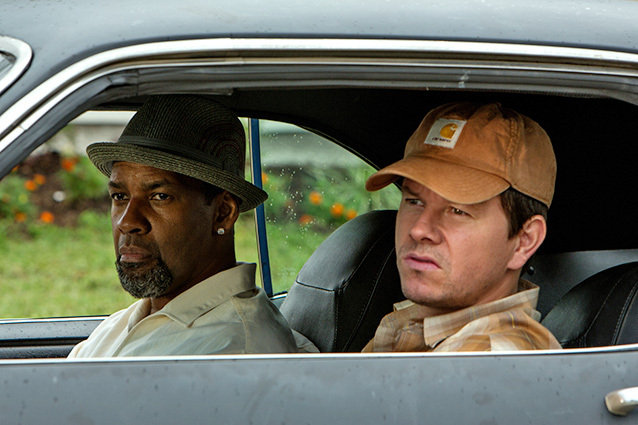Denzel Washington and Mark Wahlberg in car