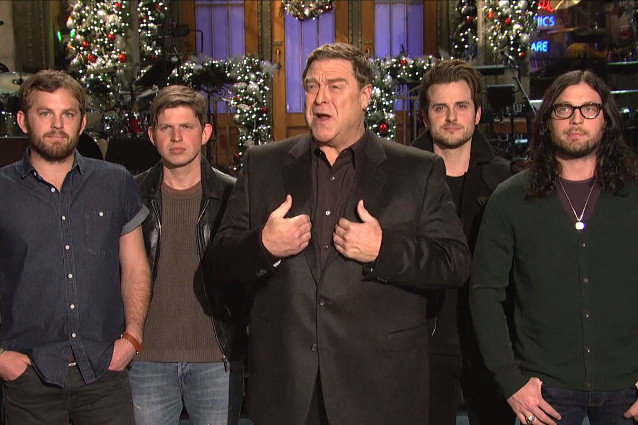 Christmas Miracle Snl.Snl Recap John Goodman Hosts A Holiday Spectacular