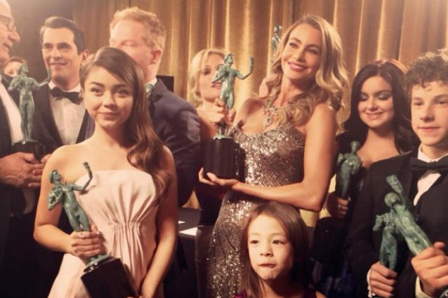 Sofia Vergara, Modern Family cast, Instagram
