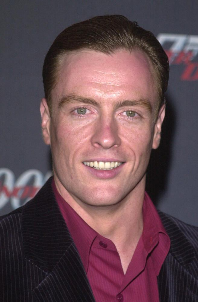 toby stephens height