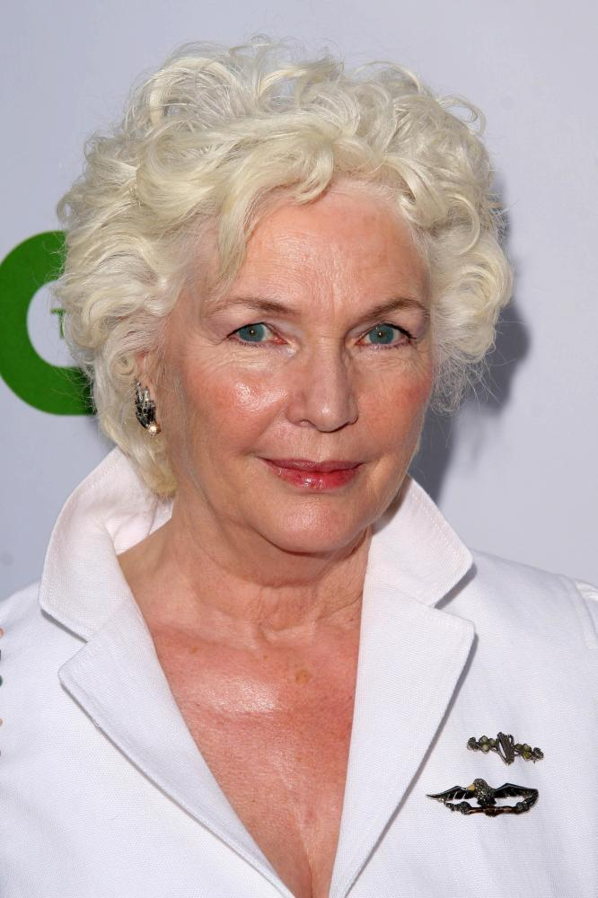 Fionnula Flanagan biography