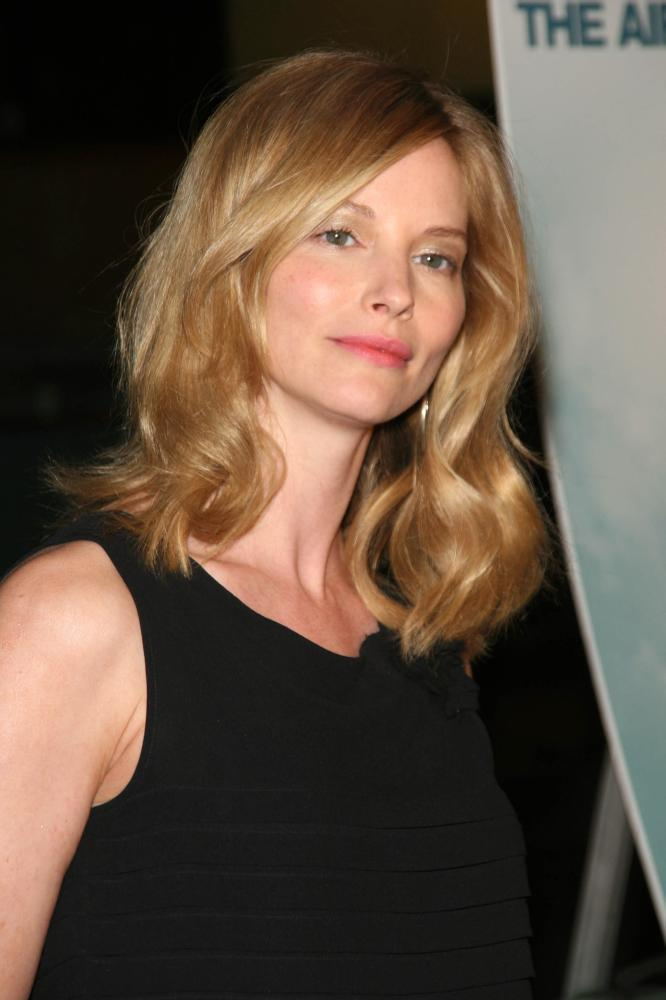 Sienna Guillory | Biography and Filmography | 1975