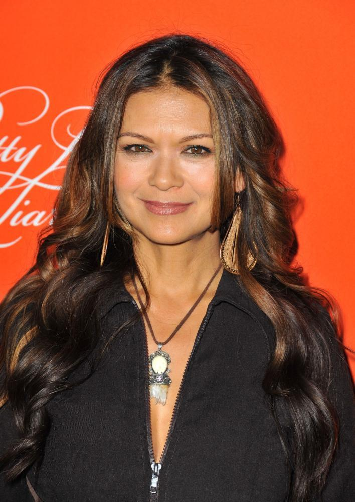 Nia Peeples dancing with the stars