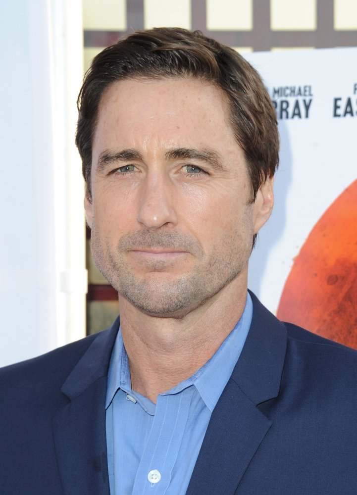 luke wilson how tall