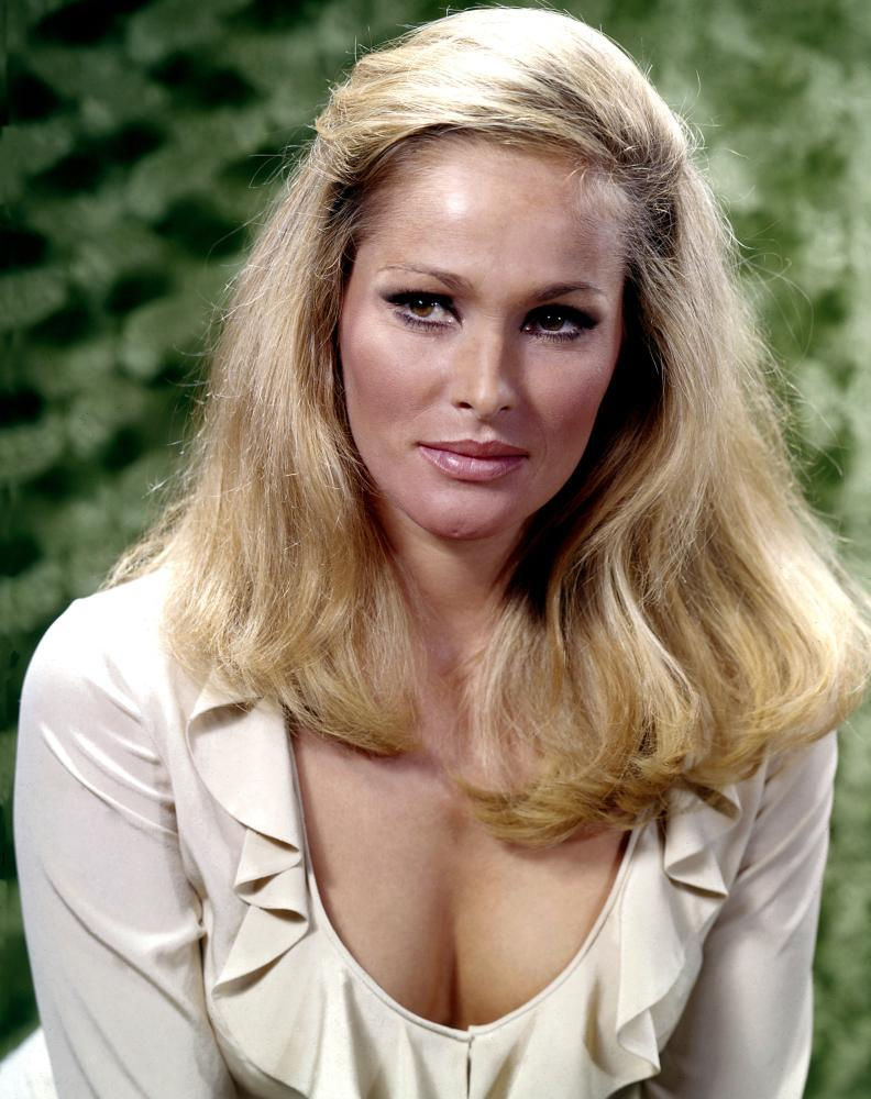 ursula andress wiki