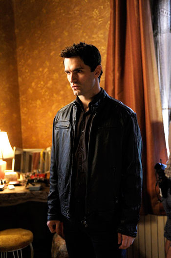 Sam Witwer On Aidan Dealing with the Vampire Apocalypse on Being Human