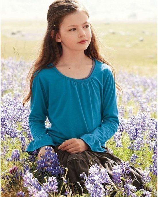 Mackenzie Foy as Renesmee from The Twllight Saga: breaking Dawn