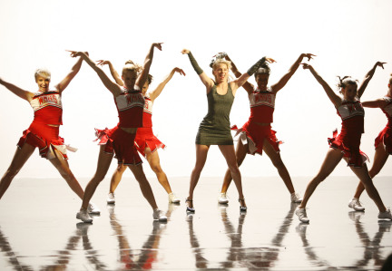 Glee_Whitney_Tribute_Brittany_Sanata_Wan