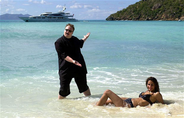 Kimdotcom beach photo