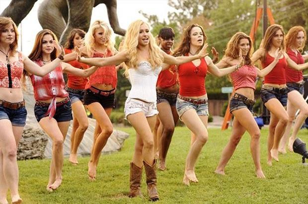 Hot girls go skinny dipping Nashville Recap Secrets Bribes And Skinny Dipping