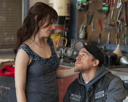 Tara and Jax Sons of Anarchy Season 4