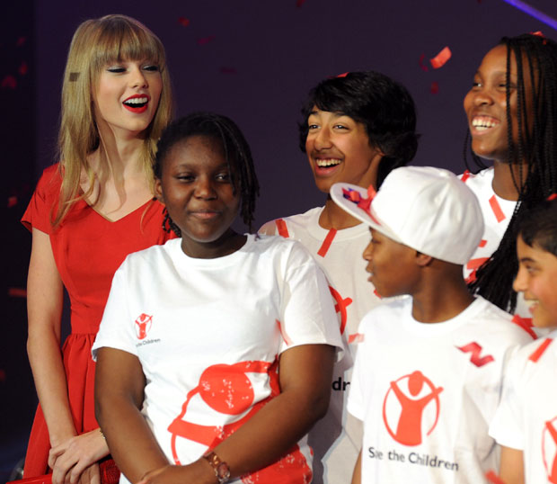Taylor Swift Tops List of Most Charitable Celebs for 2014
