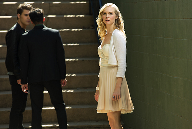 Caroline, Oh Come All Ye Faithful, Vampire Diaries Recap