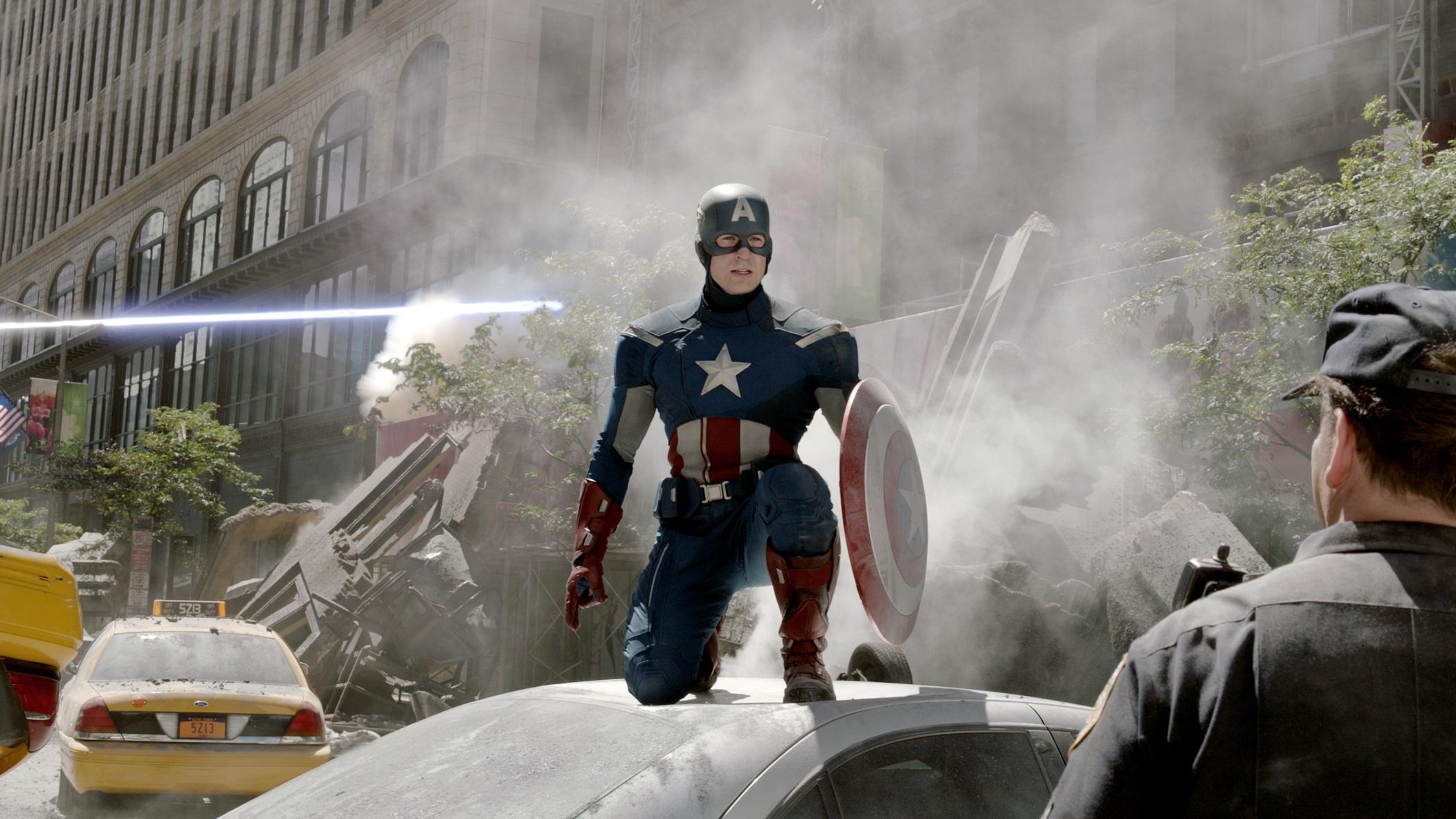captainamerica2onacar.jpg