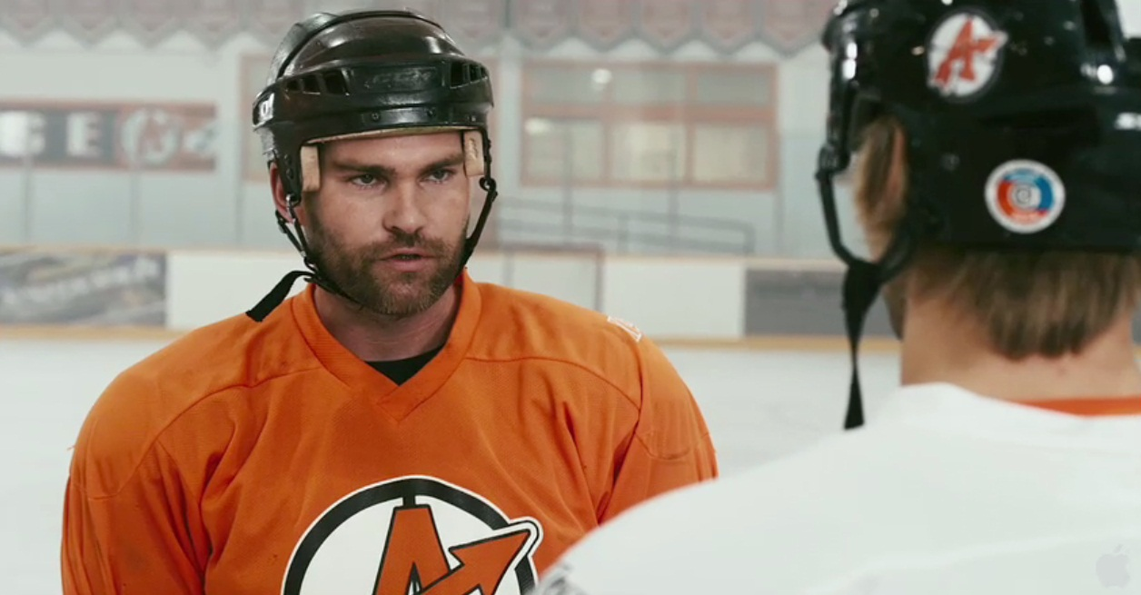 New Trailer For Goon Has More Seann William Scott Punching People