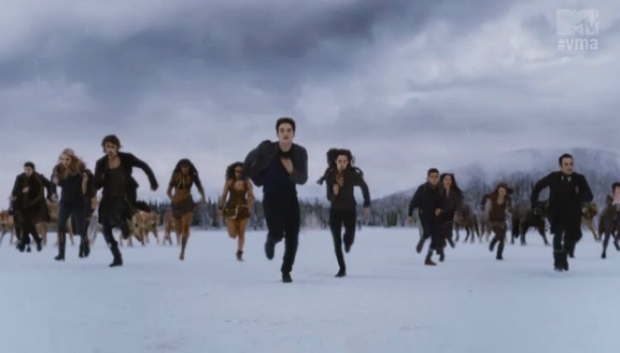 twilight_breaking_dawn_vampires_running_
