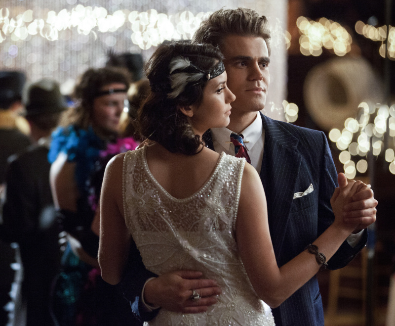 vampire_diaries_decade_dance_elena_stefa