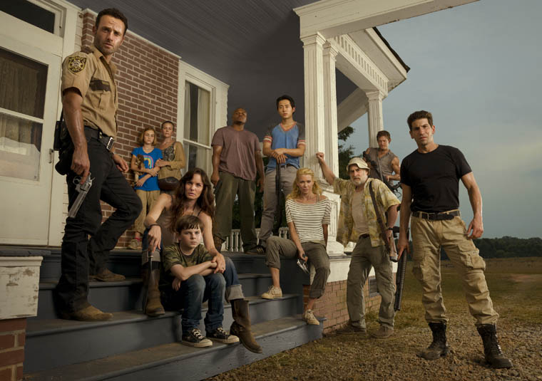 walkingdeadseason2castonporch.jpg
