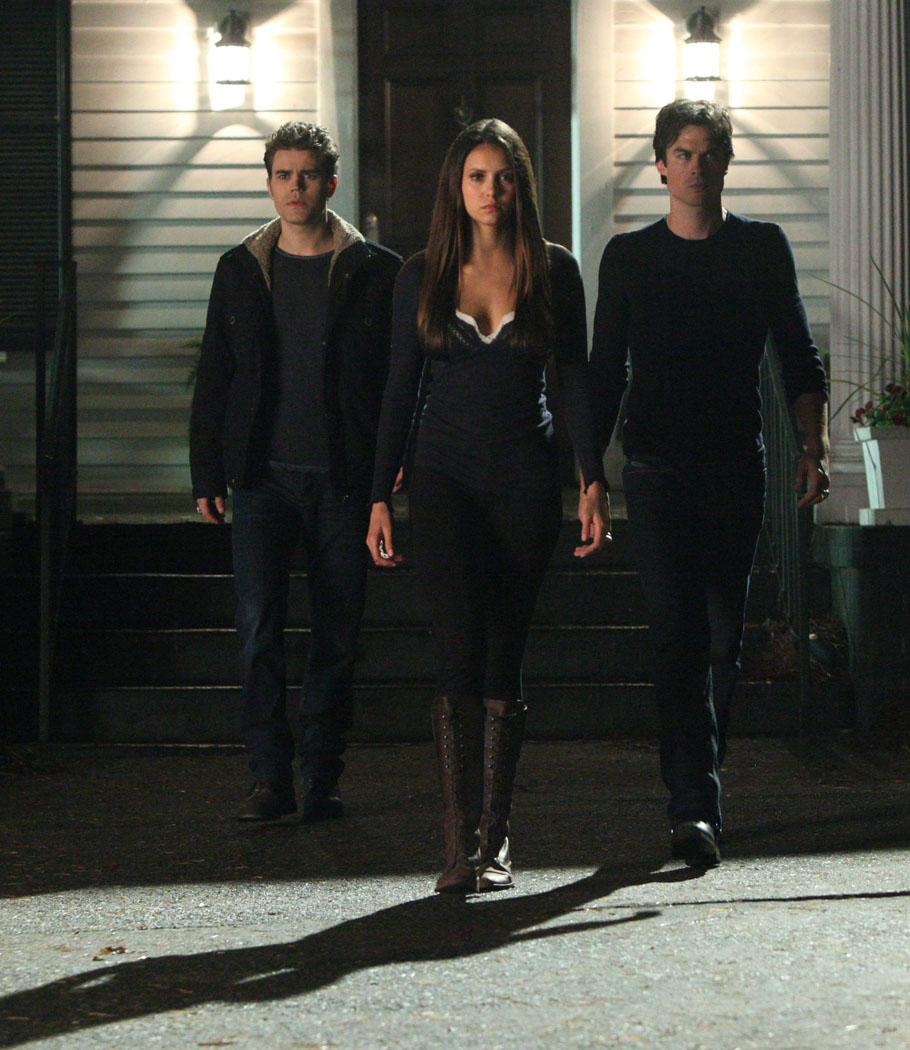 'The Vampire Diaries' First Look: Elena, Damon, and Stefan ...